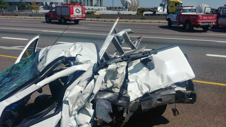 MIDRAND-One killed another injured in two bakkie collision