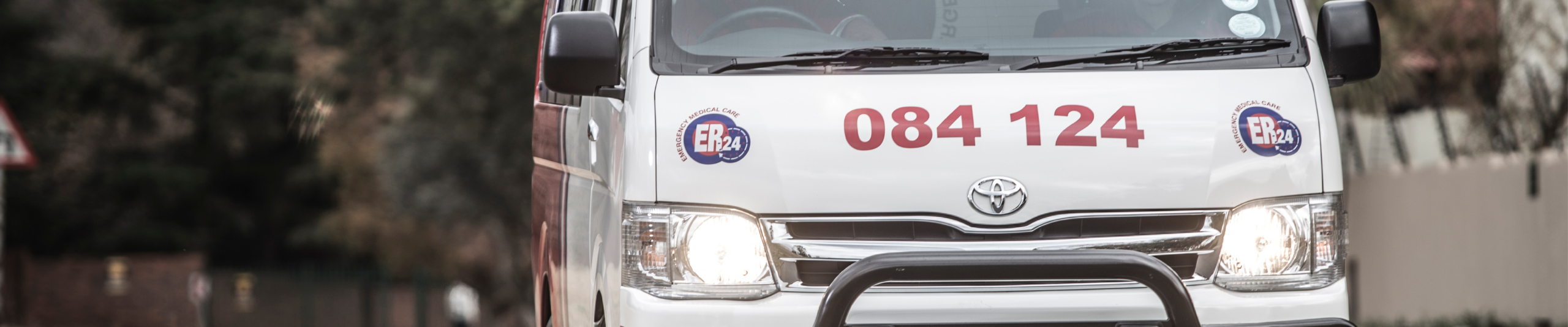 [ERMELO] – Two dead, two injured in vehicle rollover. Stock Ambulance 1 scaled